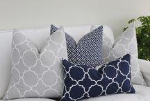 Cushions / Cushions and Pillows