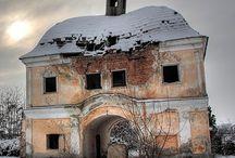 elhagyatva - sadly and abandoned