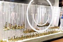 ¡Suenan las campanas de Bellmur! / Con una historia que se remonta al año 2000 a. C., las campanas han jugado un rol esencial en la historia de las civilizaciones, utilizadas como instrumentos de comunicación, objetos rituales y amuletos mágicos protectores.  Bellmur hace sonar su colección de más de 1500 campanas de diferentes orígenes y períodos históricos, llamando a los buenos deseos y augurios para estas fiestas y el comienzo del nuevo año.   / by Bellmur