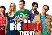Séries ♡ / Aqui estão 4 das minhas séries favoritas <3  Uma breve sinopse! Caso tenham interesse, estão disponíveis na Netflix. Beijão!  •The Big Bang Theory (TBBT)  •Orange is The New Black (OITNB)  •How I Met Your Mother (HIMYM) •Jessica Jones (Marvel)