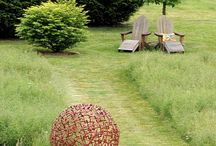 The meadow garden / Ideas and trends to start a meadow garden to attract birds and butterflies to the garden.