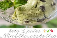 Keto Ice Cream / Easy no churn keto ice cream recipes. I love these low car keto ice creams. Some of them are made in an ince cream maker but some in a mason jar!