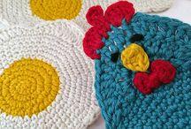 Ovos e galinhas em tricot