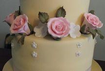tarta fondan y flores