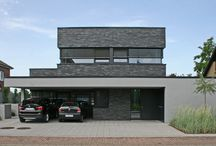 Einfamilienhäuser / Lebendig und natürlich – Bauen mit Klinker  Der rundum natürliche Fassadenbaustoff Klinker überzeugt mit besten technischen Eigenschaften. Er ist wertbeständig, trotzt allen Witterungen, ist wartungsfrei und auch nach Jahren noch so ausdrucksstark und farbbrillant wie am ersten Tag.