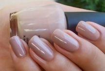 < nails>