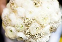 Wedding Dress/Bouquet / by Kristin