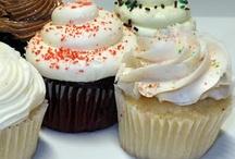 Cakes & cupcakes / by yoli carrillo