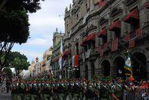 Desfile Cívico Militar de la Independencia en Puebla / Como parte de los festejos de las fiestas patrias, se realizará el desfile conmemorativo del 207 Aniversario de la Independencia de México, en él participarán contingentes militares, entidades educativas, carros alegóricos e instituciones civiles.