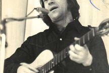 Vladimir Vîsoțki (în rusă Владимир Семёнович Высоцкий; n. 25 ianuarie 1938 - d. 25 iulie 1980) i