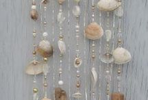 Suncatchers | Mobiles | Windchimes / Ideas to make suncatchers, mobiles, windchimes and pretty wall hangings out of drift wood, sea glass, beads, shells and more.