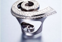 Jewelry Trendsetter / Introducing jewelry artisans to the world