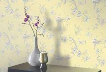 Fun Floral printed wallpaper / Discover beautiful fun floral and leaf inspired wallpaper designs