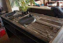 DJ Equipment that makes us go AHHH / It's about time that DJ set-ups became cool... a few inspirational DJ set-ups