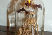 Halloween decoration / Spooky and ghoulish decorations for the best time of the year !