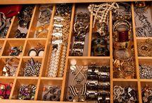 a c c e s s o r i s e / watches, rings and all sorts of things