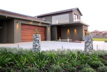 Oubaai Golf Estate  / Spacious open living areas with good quallity finishes all areas open out on to the wooden deck and swimming pool. www.earp.co.za