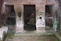 L'archeologia etrusca / La  Tuscia è la terra degli Etruschi come suggerisce il nome..Con tantissimi siti ancora da scoprire..