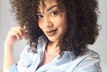 Cabelos Cacheados/ Crespos / Inspiração de cortes, cores e tipos de cabelos afros.