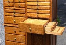 coole historische Möbel
