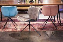 Stühle und Sessel