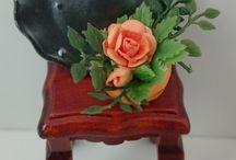 Miniature flowers... / Website: minizadollhouseminiatures.com FB: Miniza dollhouse miniatures 1:12
