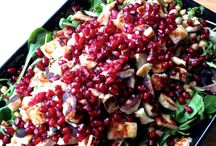 ruokaisa salaatti / granaattiomaa, halloumia ja kikherneitää