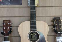 Martin / Acoustic Guitas