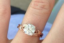 Ring // Bling / Ornamentation to adorn your ring finger! / by Heather Carlson