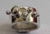 i miei bijoux su a little market / qui potete trovare tutti i pin dei miei bijoux su a little market italia http://alittlemarket.it/boutique/givaswebshop
