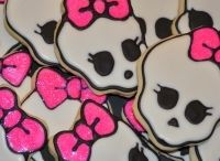 Girl Skulls Pink / by Emily Press Labels