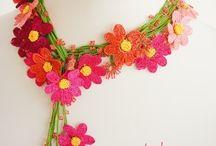 COLLANE & company in CROCHET / collane,bracciali,anelli,maschere,ecc......realizzati con i ferri,a crochet e stoffa