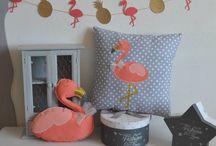 Décoration thème tropical flamant rose et ananas - corail doré