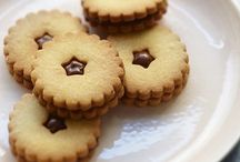 Biscuits & Cookies / Recipes, decorating ideas and tips for biscuits and cookies.