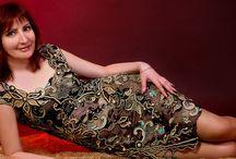 """Sognio di pizzo / Deccorazione di rose su la pelliccia , fatto al uncinetto. Il motivo di Rosa fa parte di abbito """"Edem"""" la opera di autore.   http://asiacrochet.com/Index"""