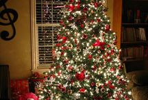 Christmas Decorating Ideas / by Teresa Kenyon