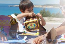 Une surprise et une jolie boîte pour mon menu enfant / L'accueil des enfants est important. Une jolie boîte pour présenter leur menu ainsi qu'une petite surprise à' l'intérieur suffit pour rendre un enfant heureux !