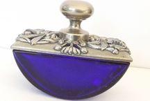 Vintage parfüm şişeleri