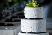 simple wedding cake ideas / by Lynette Ramirez