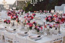 Table Arrangements We Love! / Art de la table, decoration, creative flower composition