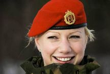 Women in Military Uniform. / Women in military uniform look especially beautiful! Do you also think so?