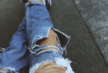 i don't care about my make up....ripped jeans ;)