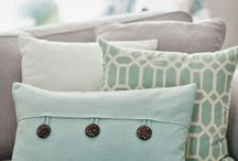 Pillow Placing / Decorative throw pillows for the home