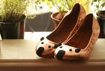 Shoes / by Nuria Diaz Masó
