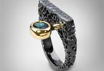 Кольца с драгоценным камнем