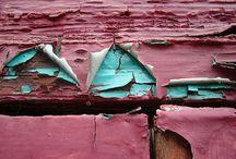 peeled paint / rust