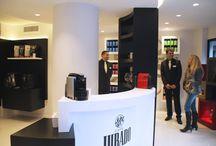 Tienda Café Jurado en Alicante / En nuestra nueva tienda de cápsulas encontrarás productos exclusivos y un trato personalizado.  Calle Pintor Aparicio nº34 Alicante.