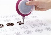 Lekue Decomax Chocolate Icing Piping Bag Stencils Kit- Includes templates to create elaborate chocolate decorations