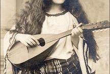 gypsy girls / zigeuner meisjes