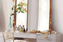 Kim dress room